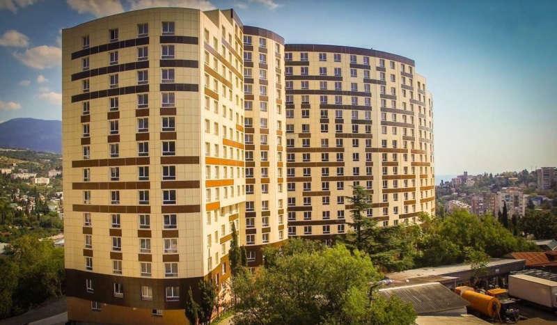 Двухкомнатная квартира в Ялте в новом доме. 1