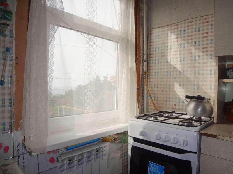 Однокомнатная недорогая квартира в курортном поселке большой Ялты. 1