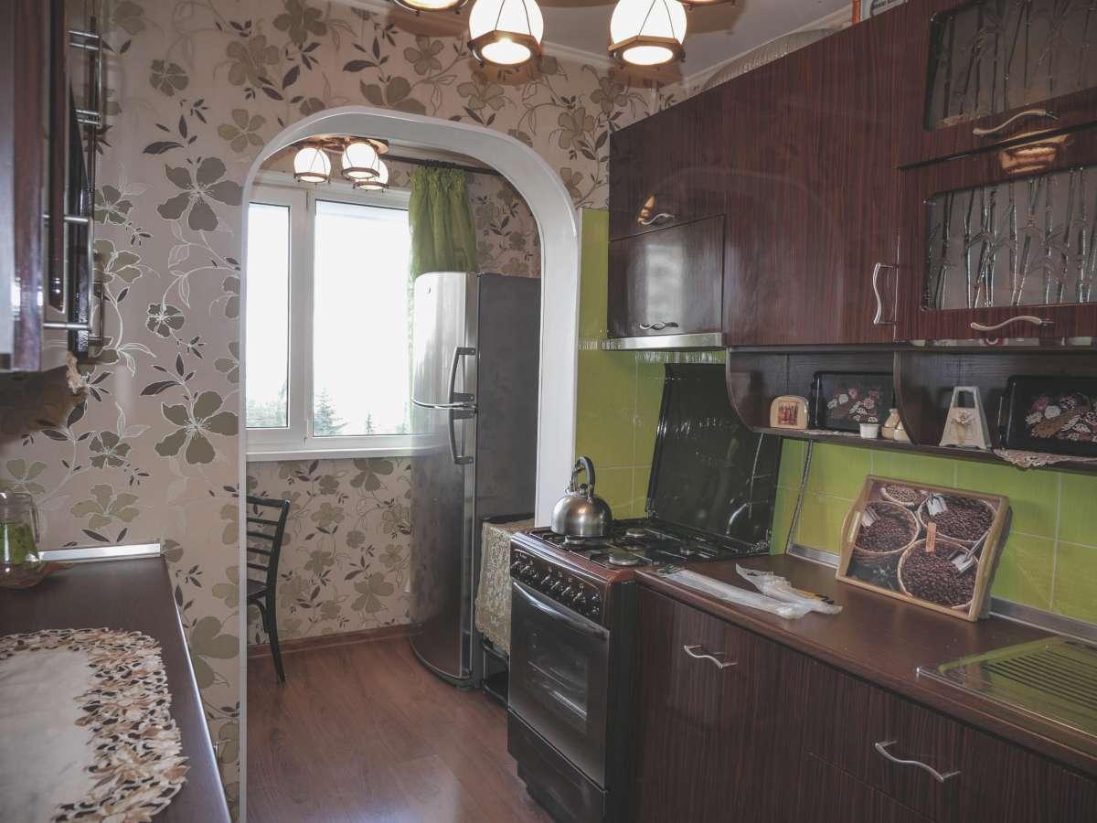 Уютная трехкомнатная квартира с ремонтом в жилом районе. 6