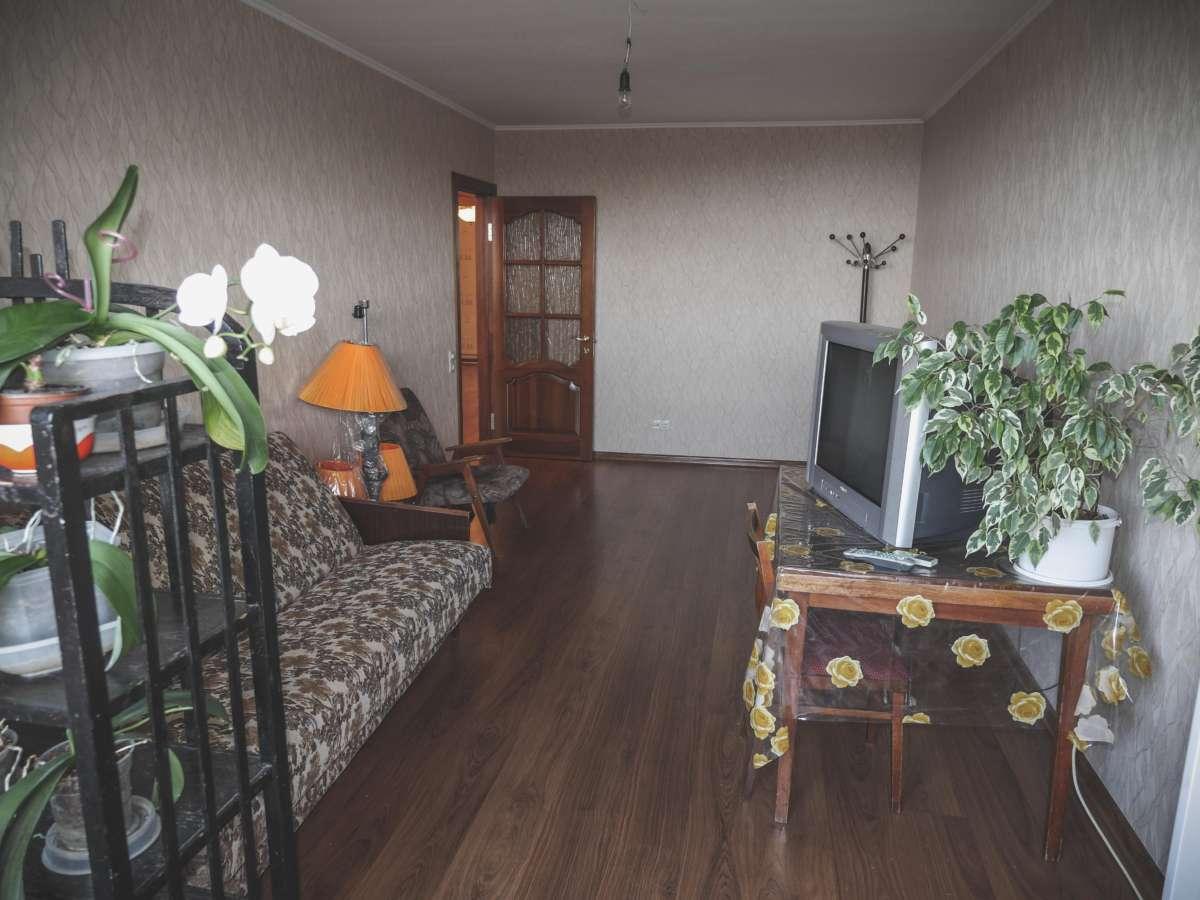 Уютная трехкомнатная квартира с ремонтом в жилом районе. 2