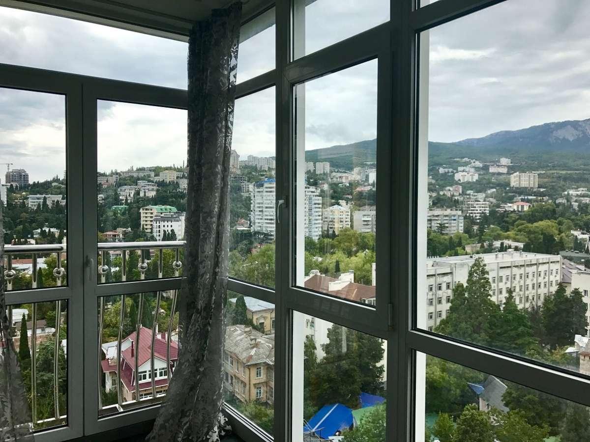 Двухкомнатная квартира с ремонтом в центре города. 4