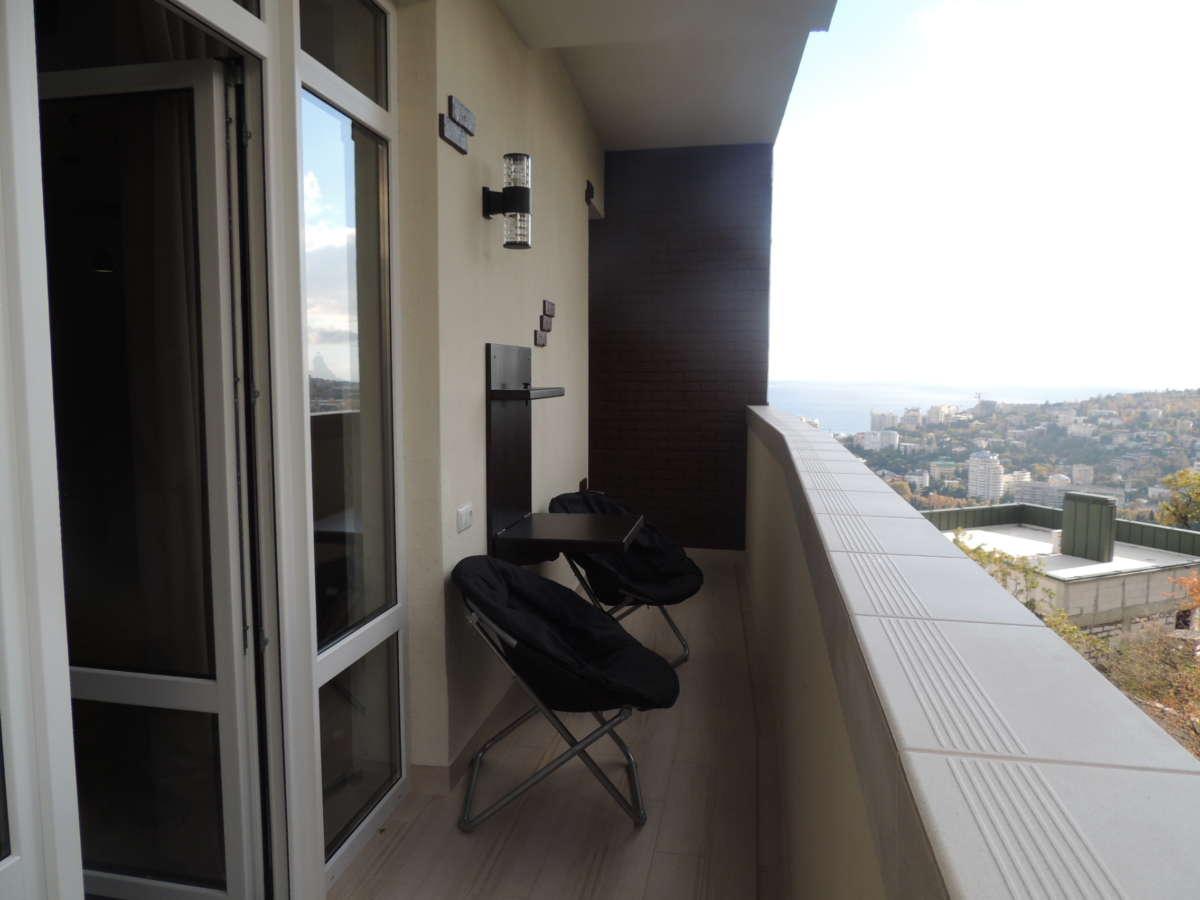 Двухкомнатная квартира с дизайнерским ремонтом 10