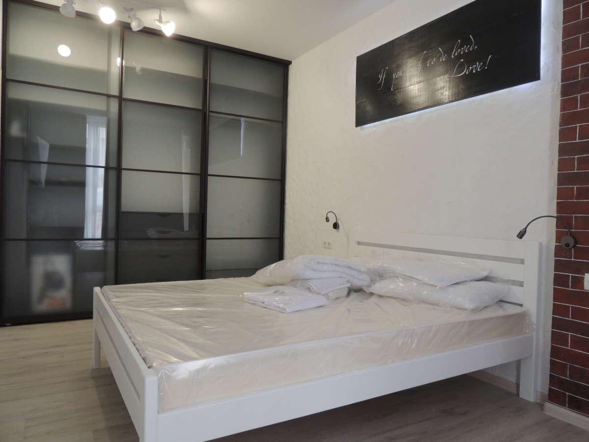 Двухкомнатная квартира с дизайнерским ремонтом 6