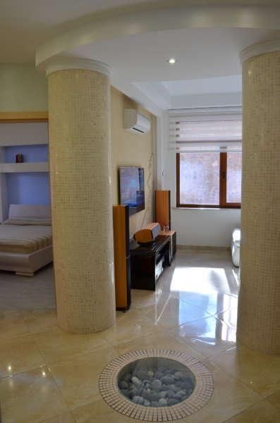 Четырехкомнатная квартира в Массандре 3