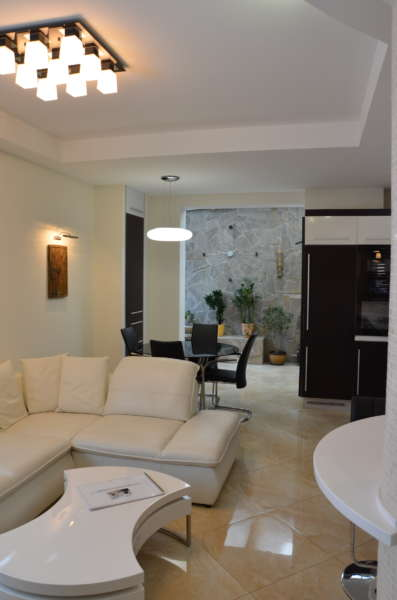 Четырехкомнатная квартира в Массандре 10