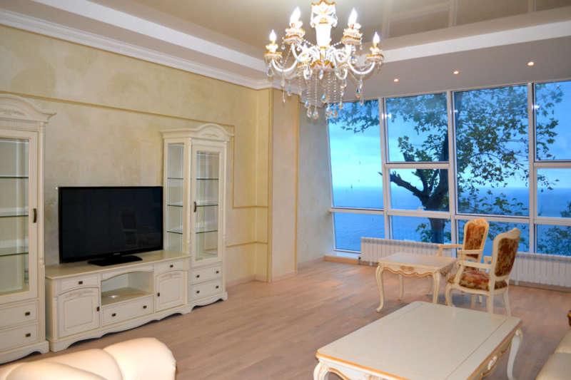 Трехкомнатная квартира с ремонтом в Ришелье Шато. 3