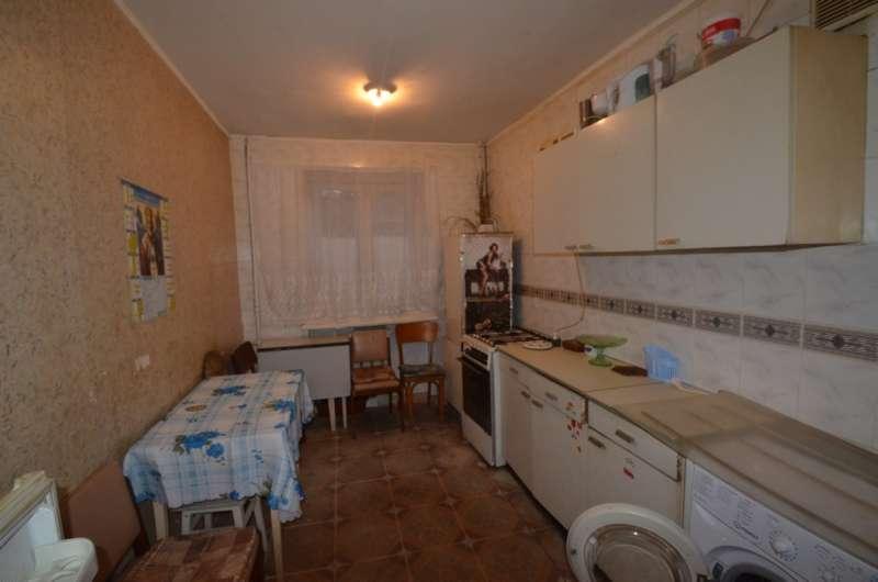 Двухкомнатная квартира в жилом районе. 6