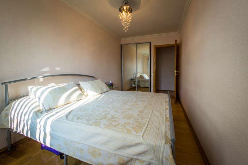 Трехкомнатная квартира с современным ремонтом в Ялте. 2