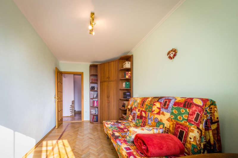 Трехкомнатная квартира с современным ремонтом в Ялте. 6