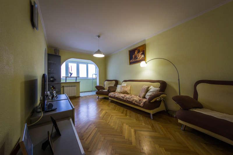 Трехкомнатная квартира с современным ремонтом в Ялте. 9