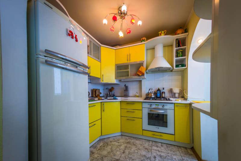 Трехкомнатная квартира с современным ремонтом в Ялте. 13