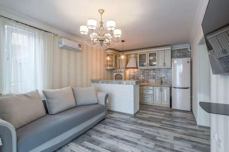 Двухкомнатная квартира в новом доме с видом на море. 14