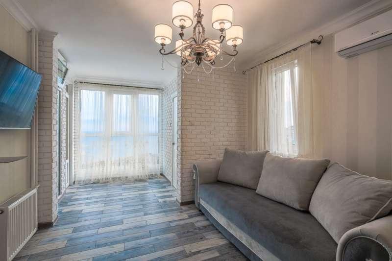 Двухкомнатная квартира в новом доме с видом на море. 15