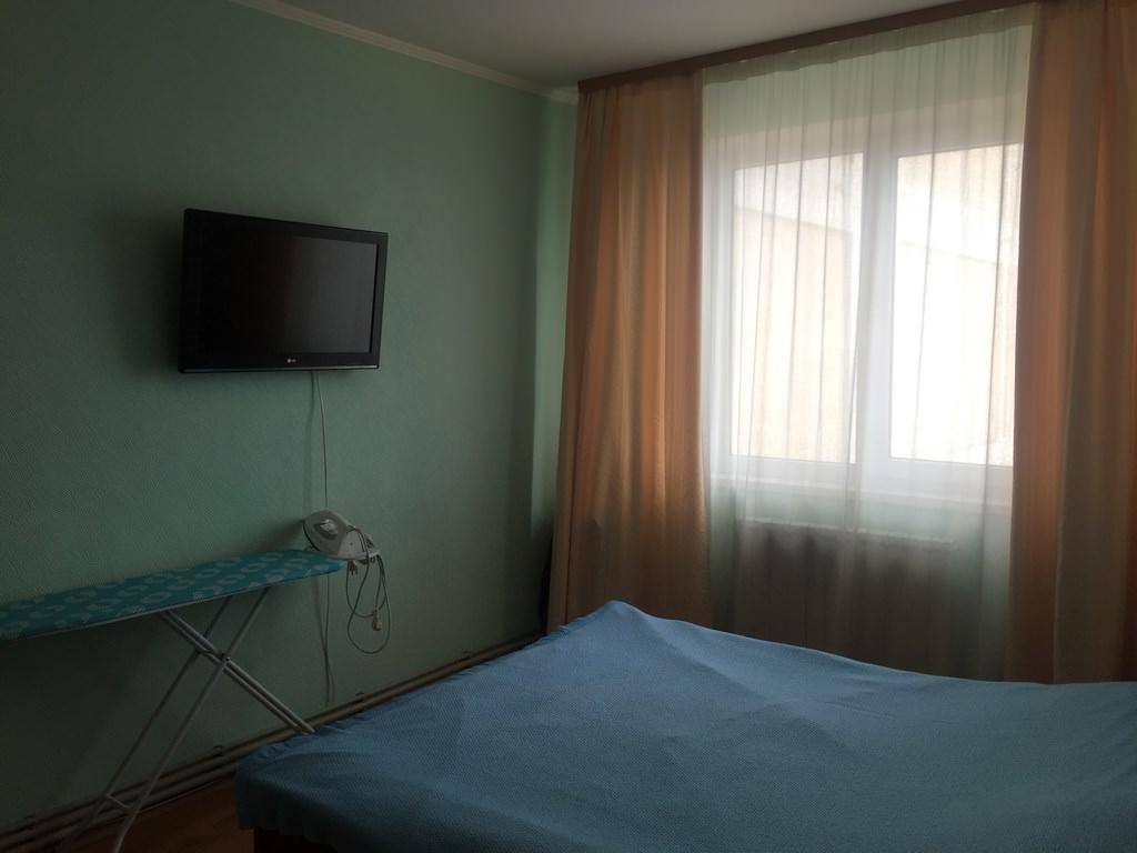 Трехкомнатная видовая квартира в жилом районе Ялты. 2