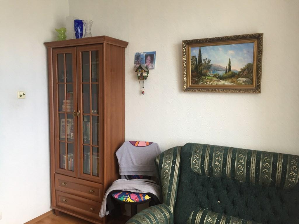 Трехкомнатная видовая квартира в жилом районе Ялты. 7
