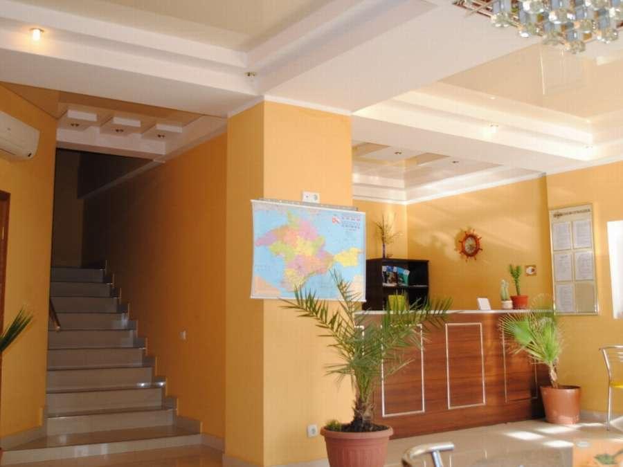Отель в Центре Алупки 9