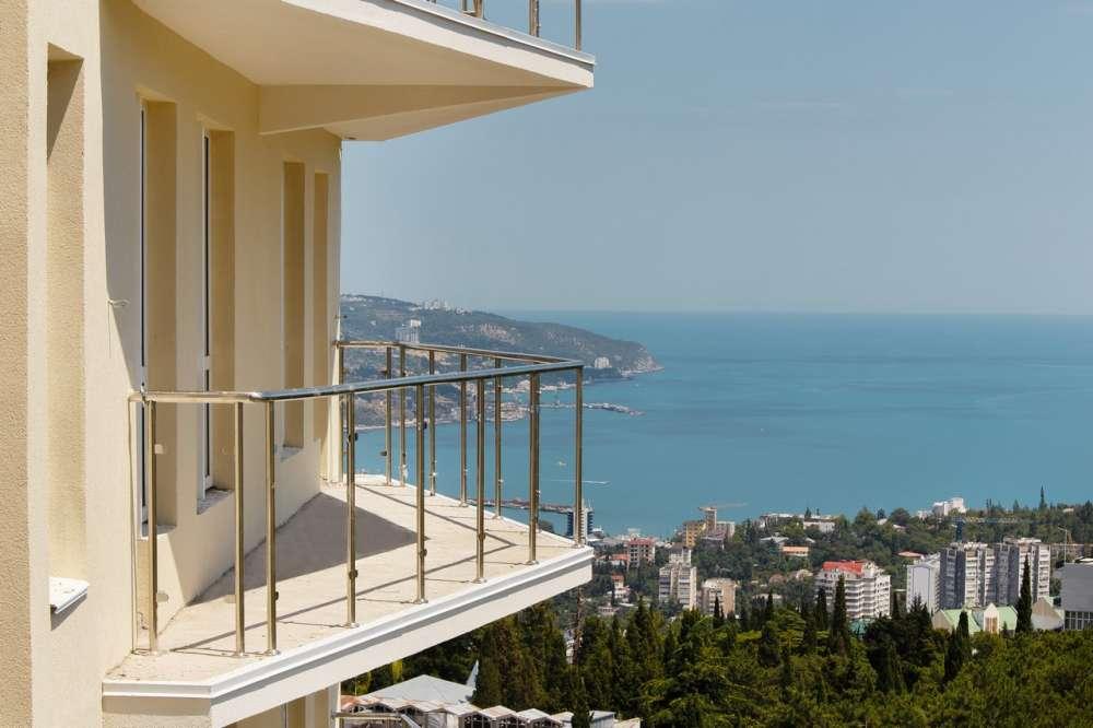 Квартира студия с видом на море в новом доме. 1