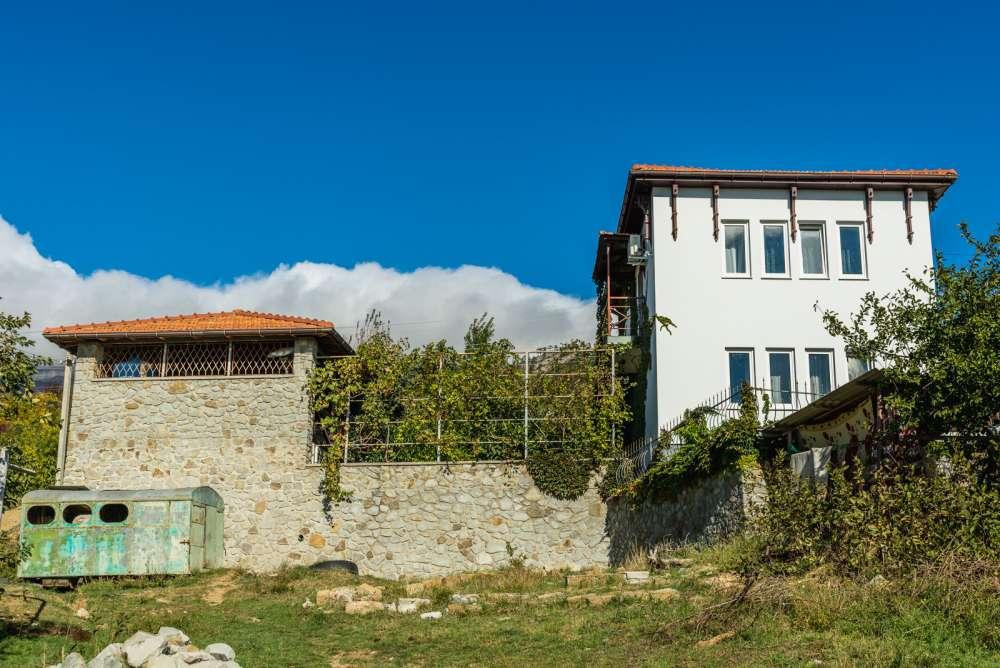 Дом в Ялте с хорошим видом на море 3