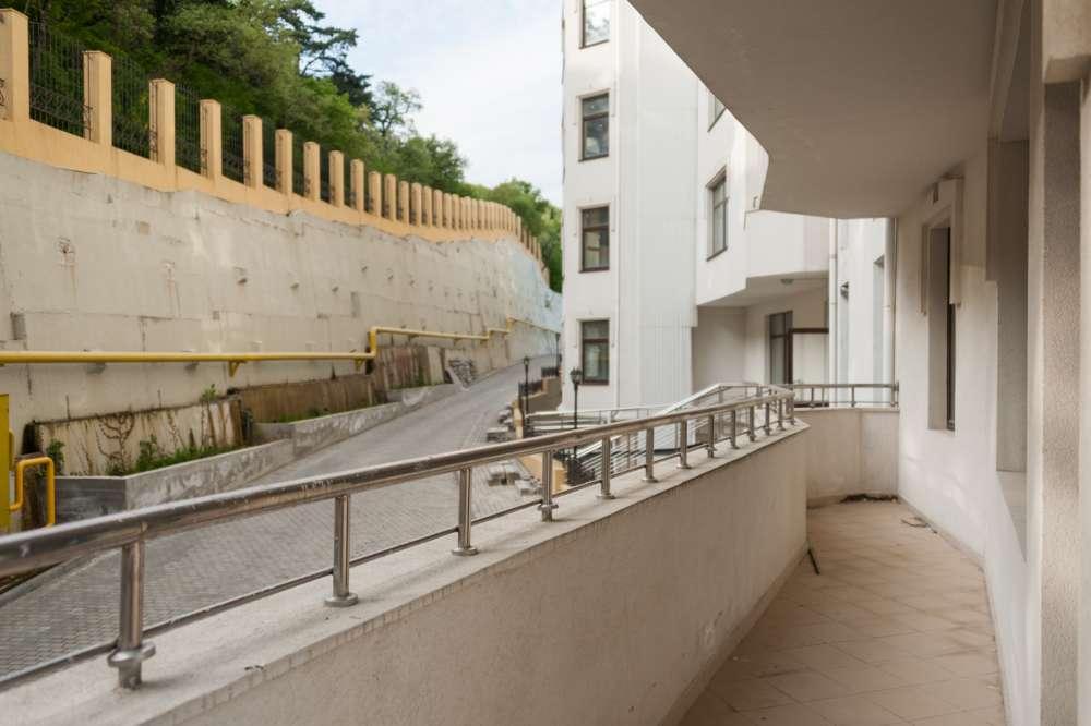 Трехкомнатная видовая квартира в Ливадии 19