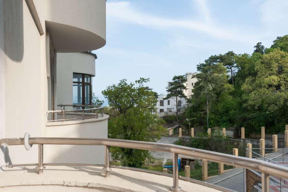 Большая квартира в Ливадии 20