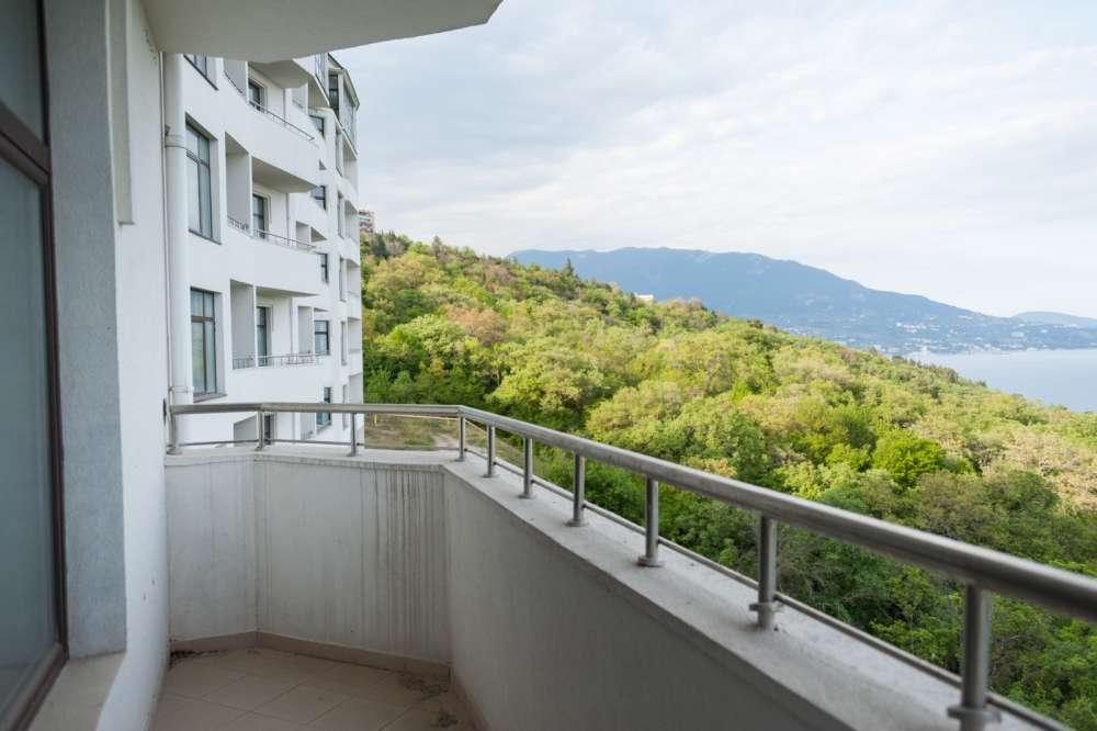 Видовая квартира с балконом в Ливадии 4