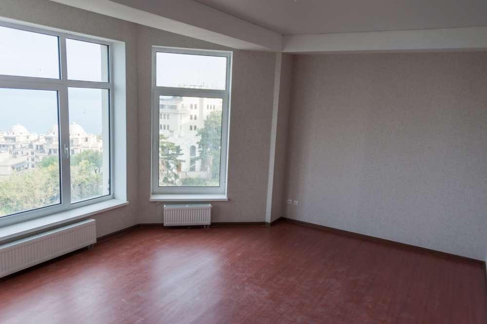 Большая двухкомнатная квартира в Ливадии 10