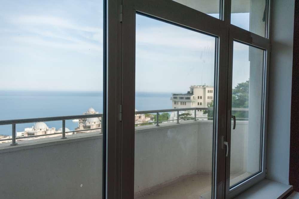 Большая двухкомнатная квартира в Ливадии 13