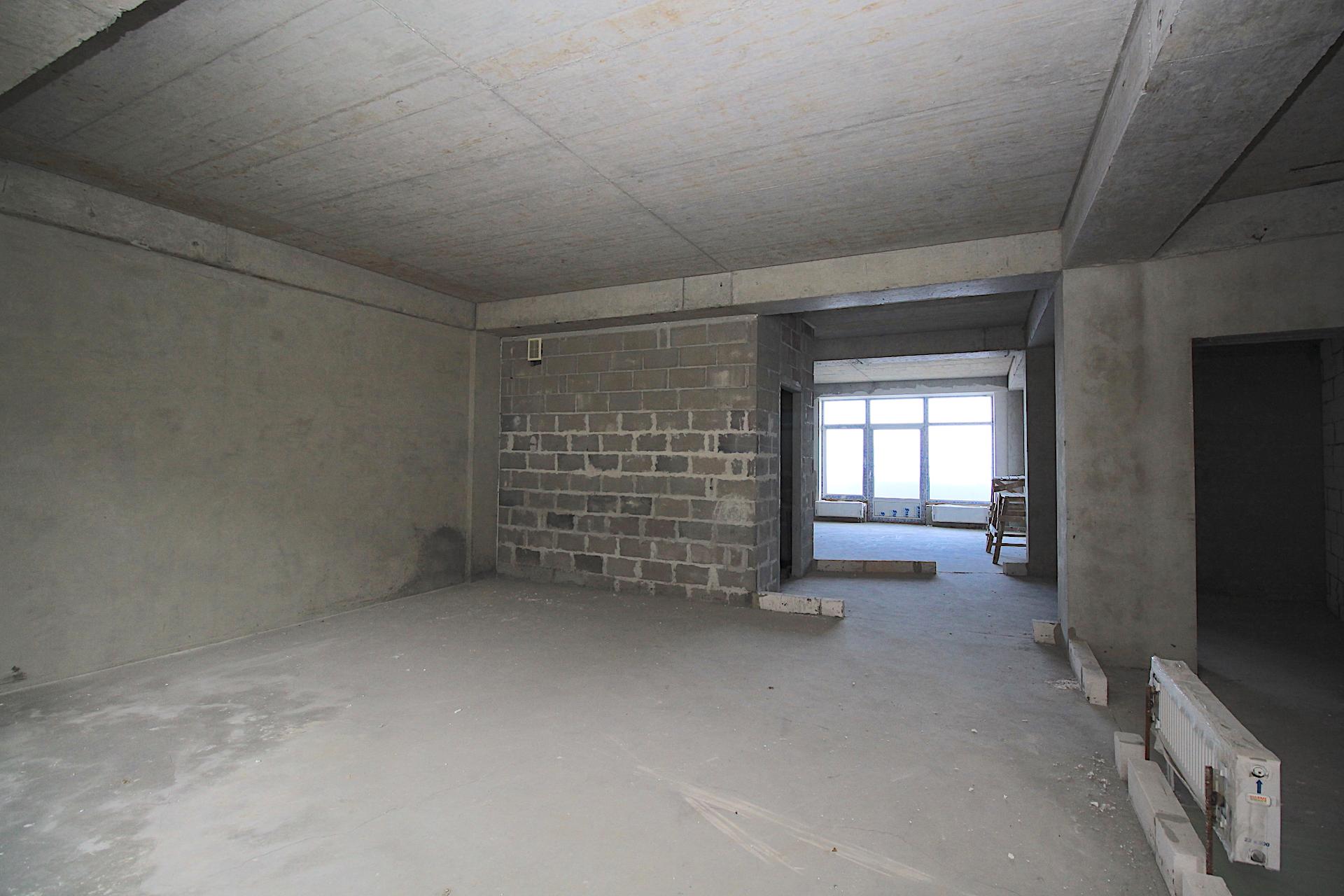 Видовая квартира с балконом в Ливадии 15