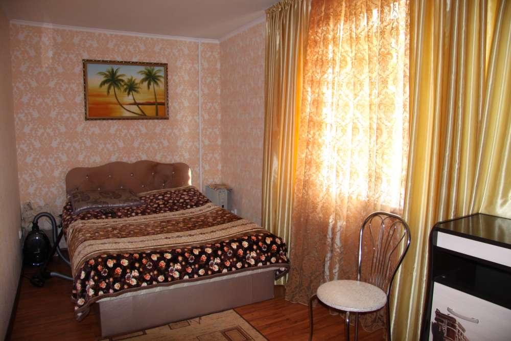 Уютная двухкомнатная квартира с хорошим ремонтом в Ялте 2