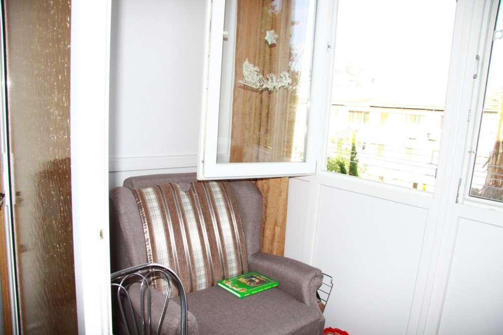 Уютная двухкомнатная квартира с хорошим ремонтом в Ялте 11