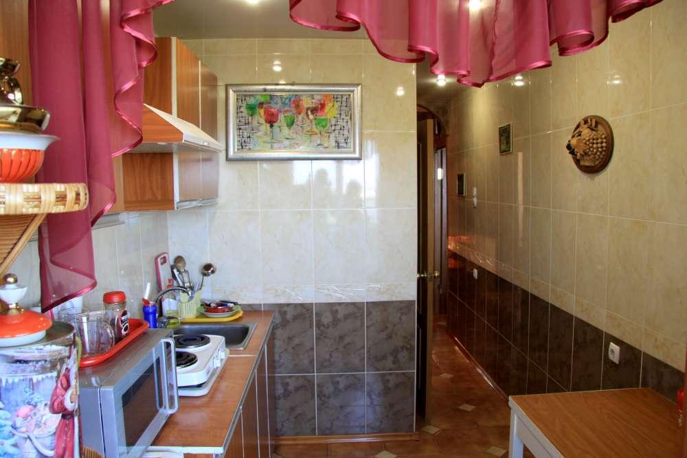 Видовая трехкомнатная квартира с ремонтом и мебелью в Алупке 7