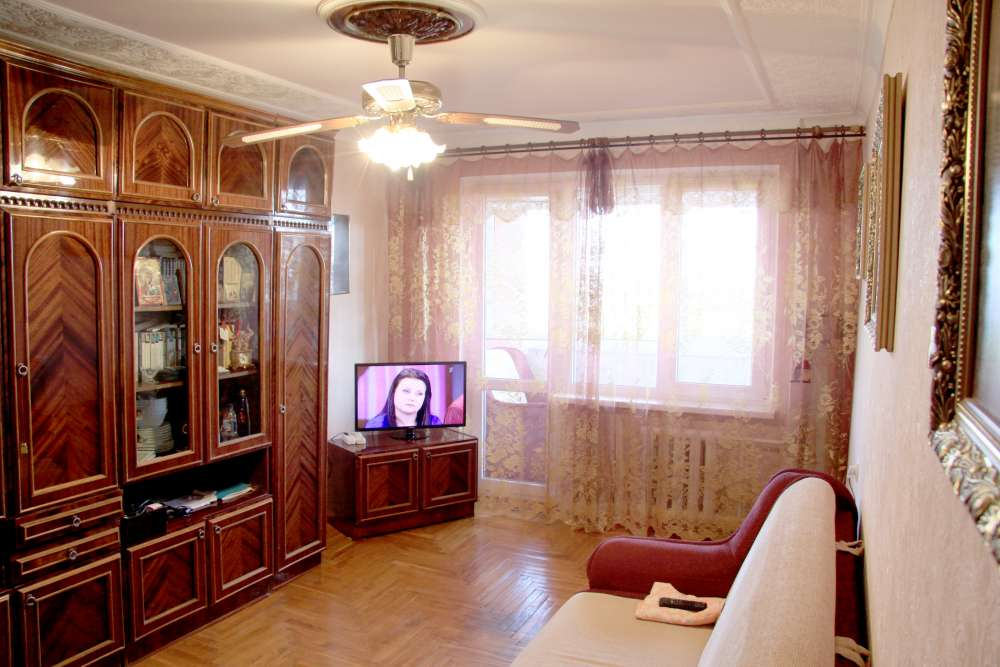 Видовая трехкомнатная квартира с ремонтом и мебелью в Алупке 12