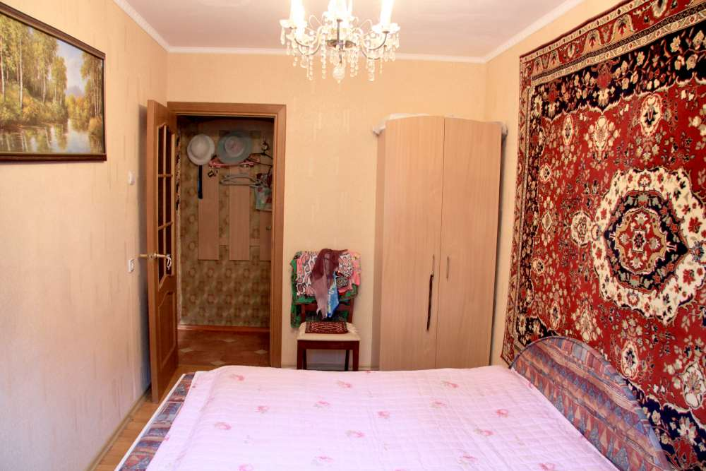 Видовая трехкомнатная квартира с ремонтом и мебелью в Алупке 18