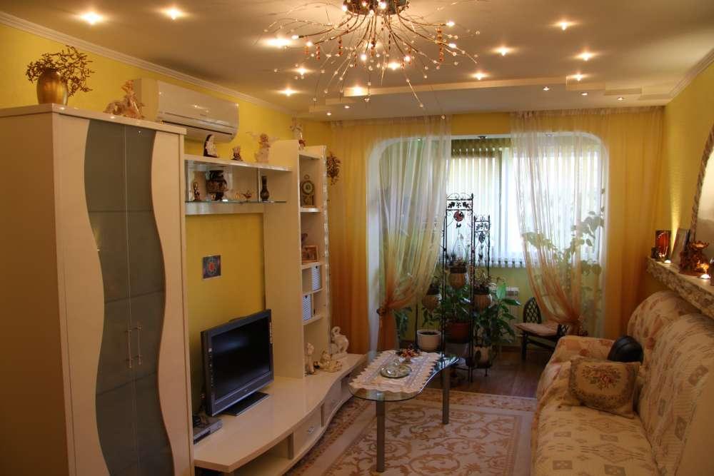 Просторная двухкомнатная квартира с хорошим ремонтом. 2