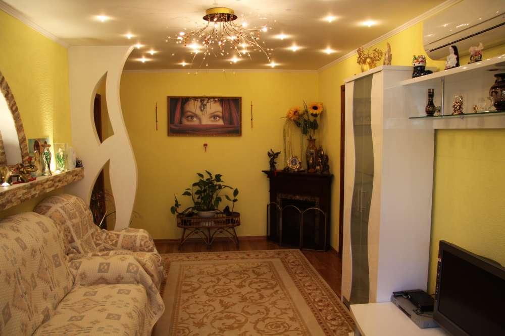 Просторная двухкомнатная квартира с хорошим ремонтом. 3
