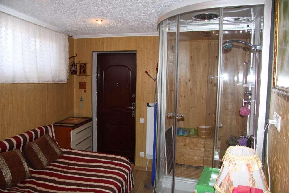Просторная двухкомнатная квартира с хорошим ремонтом. 4