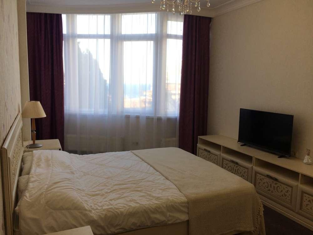 Большая квартира в центре Ялты 8