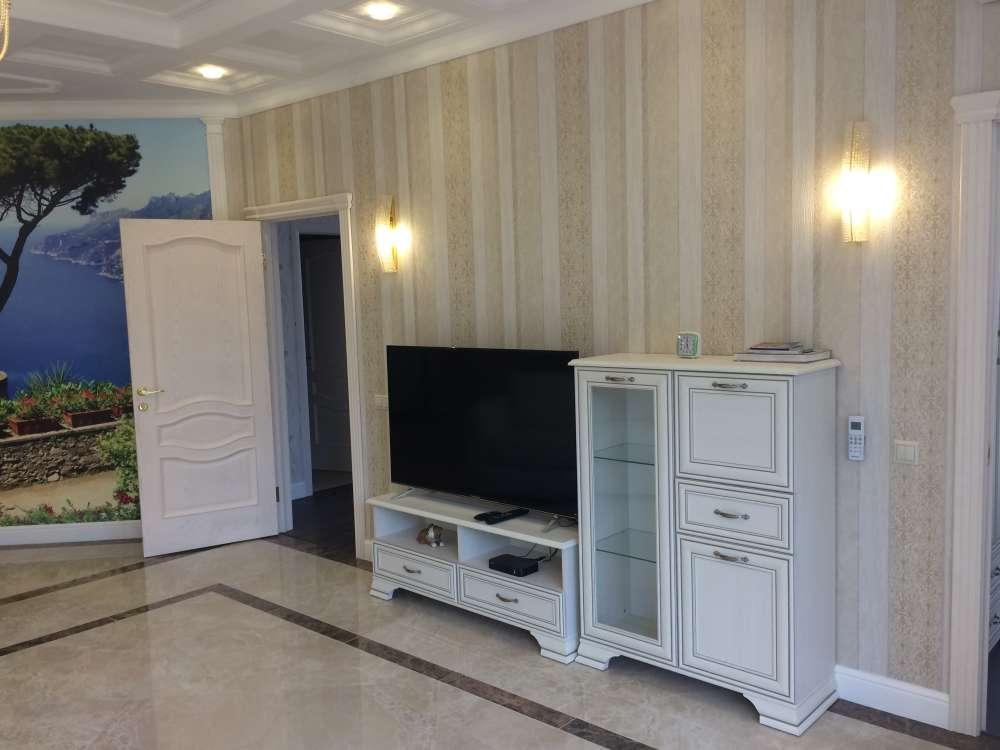 Большая квартира в центре Ялты 13