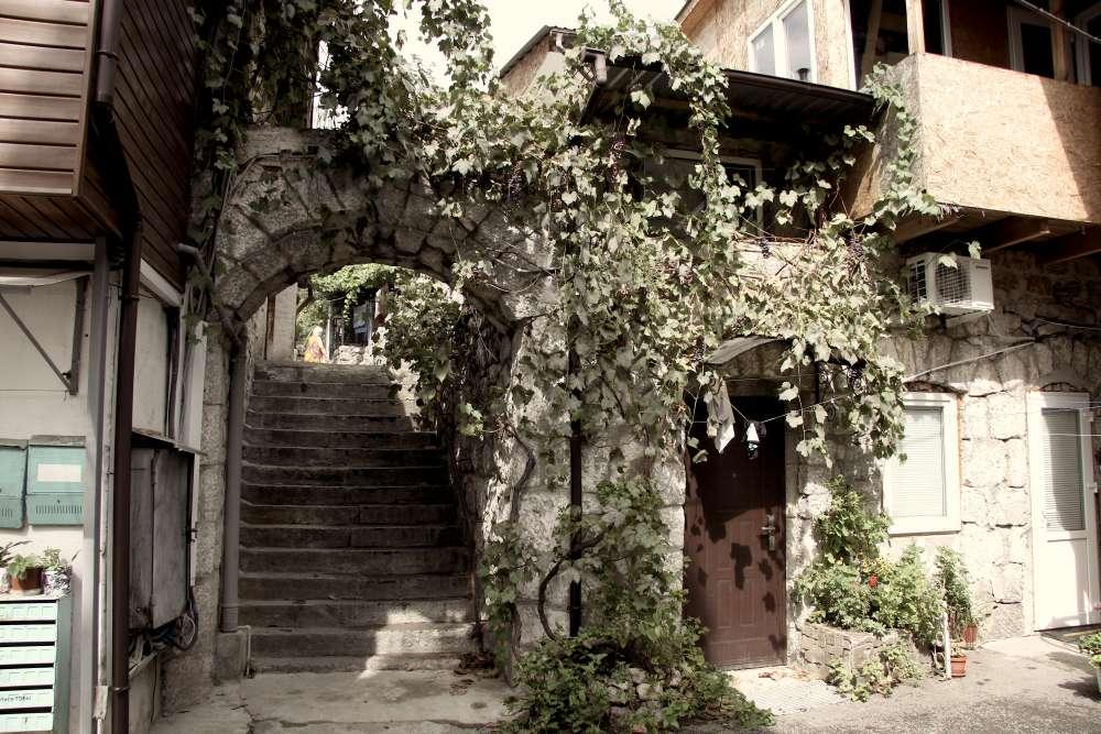 Квартира в Алупке в историческом центре 1