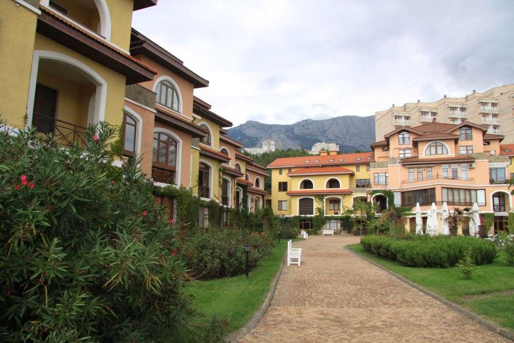 Апартаменты в Испанской Деревне 1