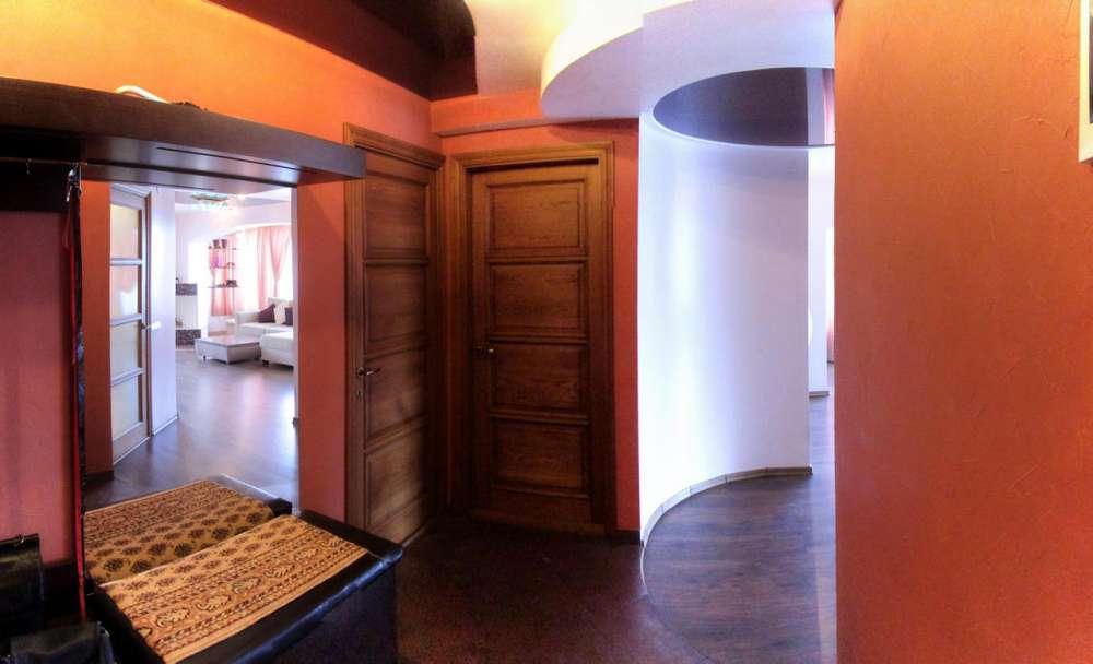 Большая трехкомнатная квартира в Ялте 3