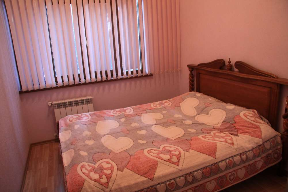 Двухкомнатная квартира на Екатерининской 1