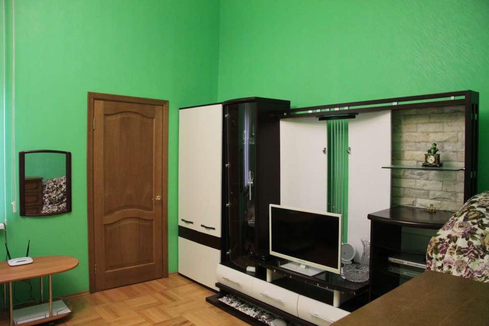 Двухкомнатная квартира на Екатерининской 5