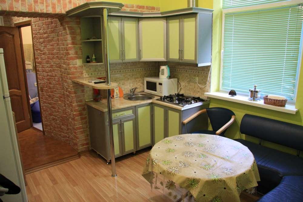 Двухкомнатная квартира на Екатерининской 6