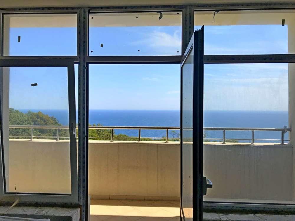 Недорогая трехкомнатная квартира с видом на море. 2