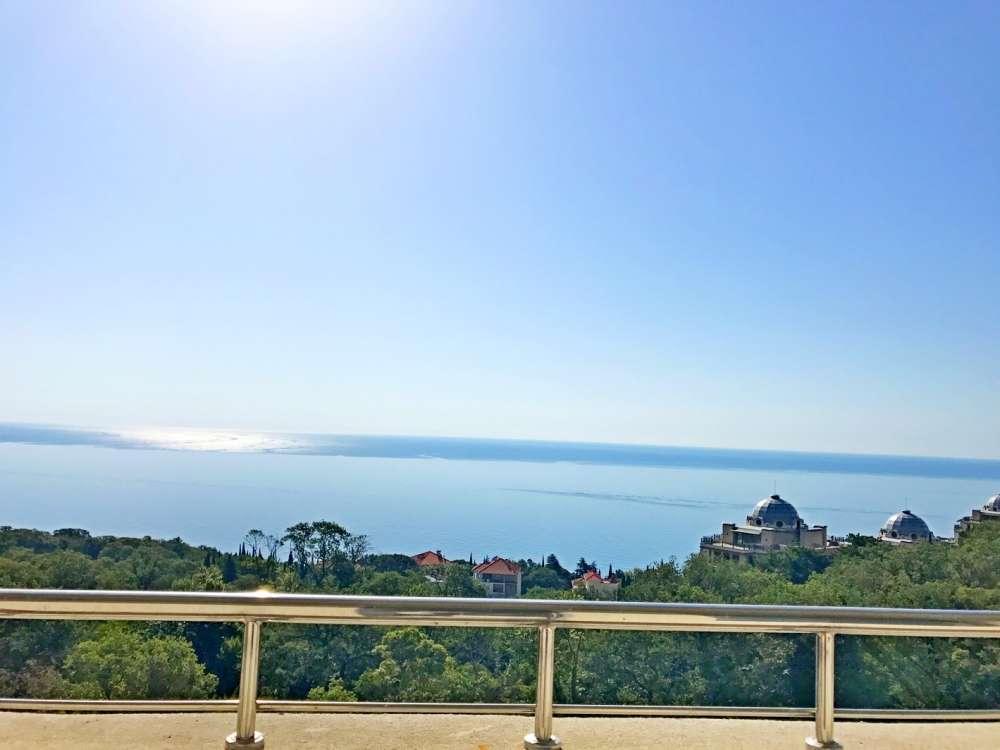 Недорогая трехкомнатная квартира с видом на море. 12
