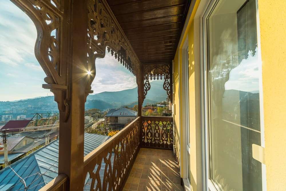 Дом в Ялте с панорамным видом на море и горы 4