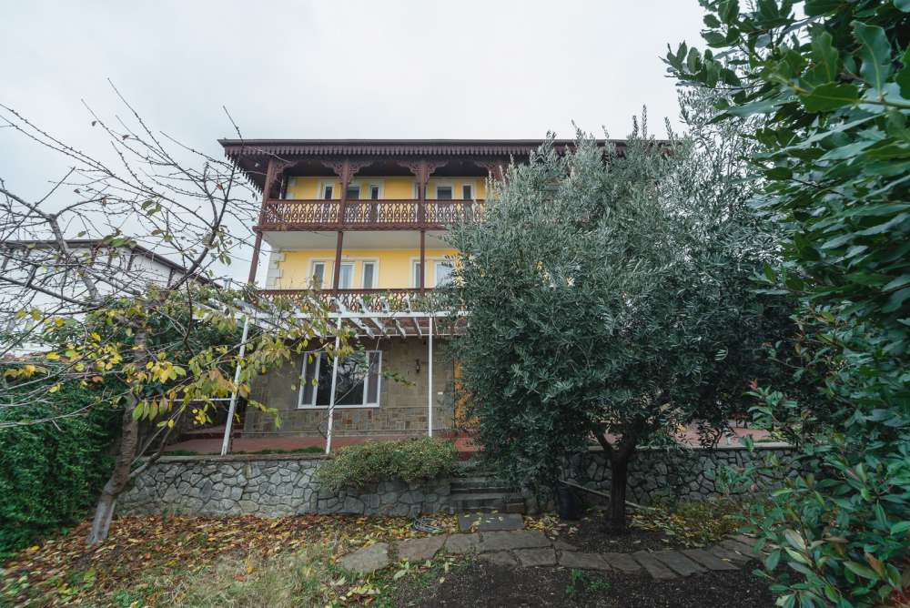 Дом в Ялте с панорамным видом на море и горы 2