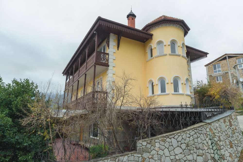 Дом в Ялте с панорамным видом на море и горы 22
