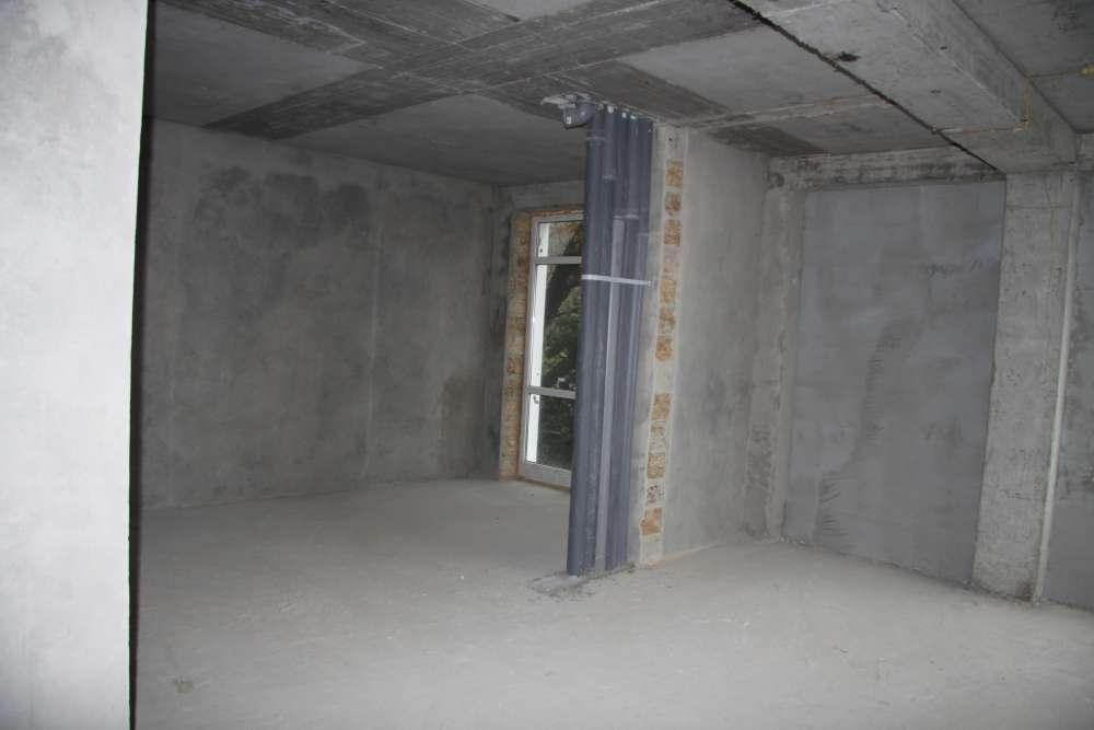 Большая двухкомнатная квартира в новом доме. 3